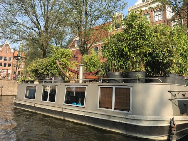 Houseboat with garden rooftop
